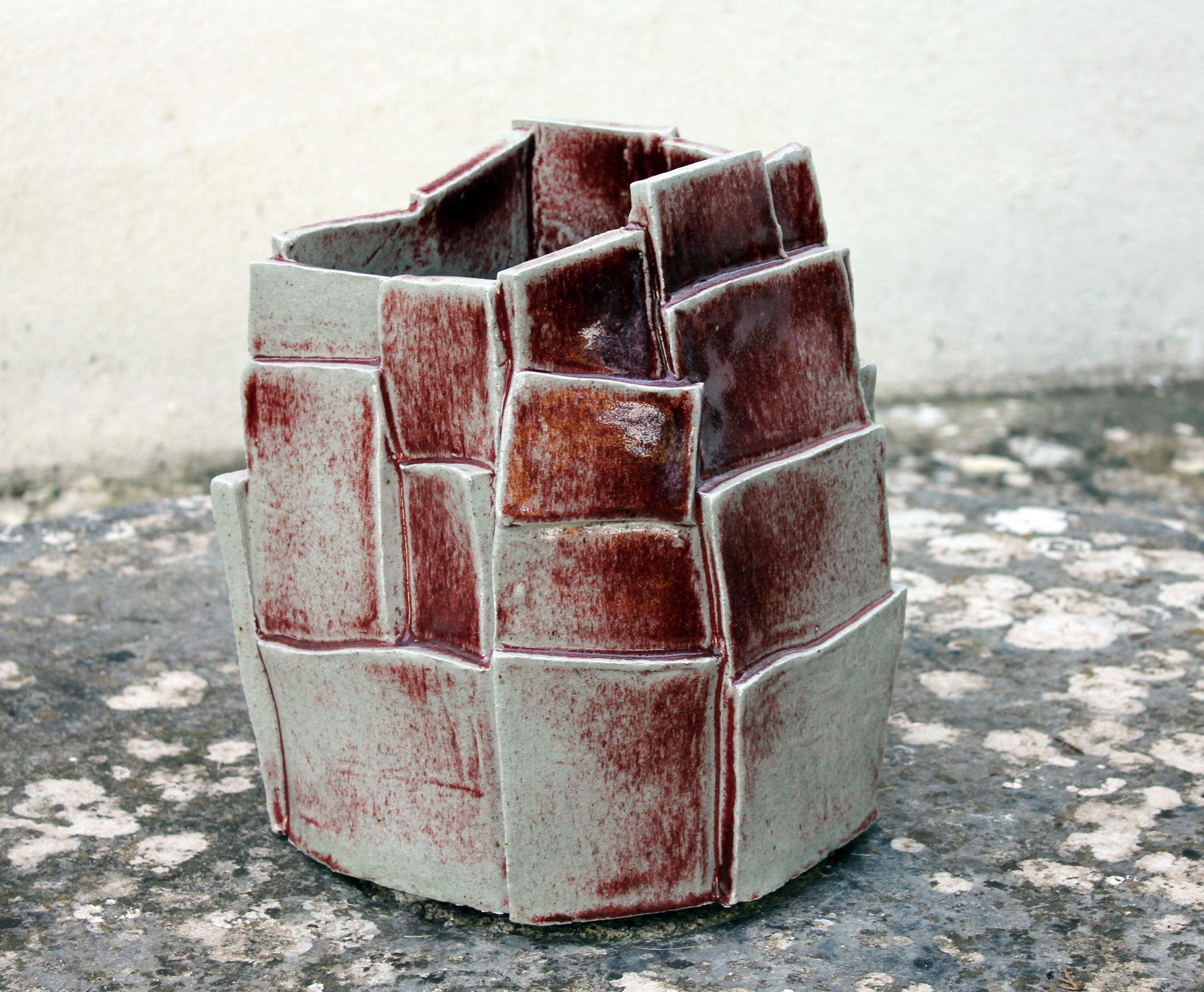 Beatriz Horta Correia (n.1962)   VASE SCULPTURE, 2016